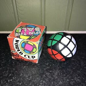 Vintage Retro SPIN THE BALL World Cup Football Puzzle - RARE FIM TOY