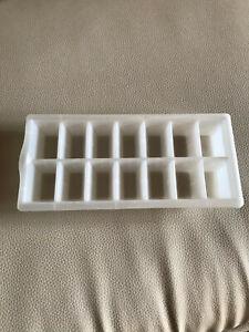 Eiswürfel-Zubereiter für 14 Würfel