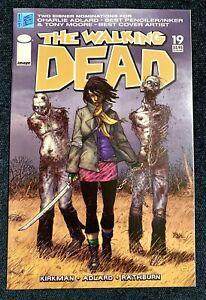 THE WALKING DEAD #19 IMAGE COMICS 1ST APPEARANCE MICHONNE 2005 ROBERT KIRKMAN