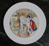 """Porcelaine Apilco France Man & a Woman With Cheese Salad Plate ~ 7.5"""" Le Munster"""