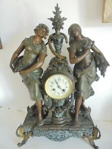 Ancienne Grande Pendule en Régule femmes saisons decors louis xvi Hauteur 64 cm