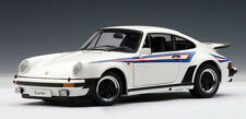 1:18 AUTOart  1975 Porsche 911 3.0 Turbo White w/ Martini Stripes - RARITÄT