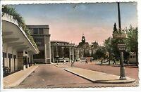 CP 03 ALLIER - Vichy - La Gare routière, la Poste et l'Hôtel de Ville colorisés