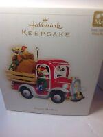 Hallmark Keepsake Ornament- Magic- Happy Haulers 2006 Christmas Holiday Decor.