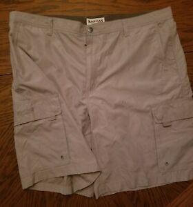 New Magellan Outdoors Mens 44 Cargo Shorts Khaki beige polyester nwot pockets