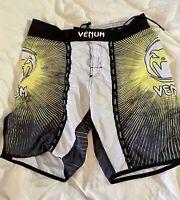 VENUM MMA Combat Sports Kickboxing Martial Arts Shorts Mens Size LG