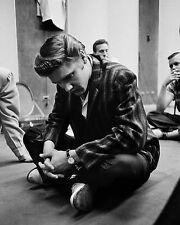 """Elvis 10"""" x 8"""" Photograph no 18"""
