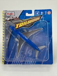 Maisto Tailwinds BOEING 777-200 Blue Commercial Airliner Die-Cast