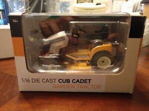 1/16 cub cadet  gtx 2100 toy