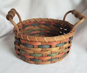 """Vintage Tender Heart Treasures Round Woven Basket- Wood Handles 8 1/2"""" x 5 3/4"""""""