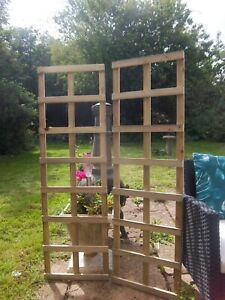 """PAIR OF QUALITY GARDEN TRELLISES TANALISED TIMBER 4FT 4"""" TALL UK MADE FREE P&P"""