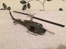 CORGI Diecast Vietnam UH-1 Huey Elicottero Gunship in Scala 1/48