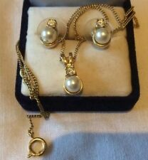 Necklace & Earring Set Gold Tone Pearl & Clear Crystal . Great for any occasion
