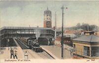 POSTCARD HAMPSHIRE SOUTHAMPTON WEST STATION ( INT) - ANIMATED SCENE - Circa 1907