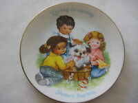 """1989 MOTHERS' DAY AVON COLLECTIBLES LOVING IS CARING SMALL PLATE, 5"""" DIAMETER"""