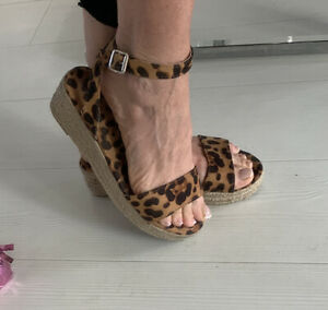 Leopard Print Wedge Sandals Size 5