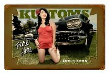 INK N IRON Kustom CAR PARK here Tatuaggio pin up girl Retrò SIGN IN LAMIERA SCUDO SCUDO