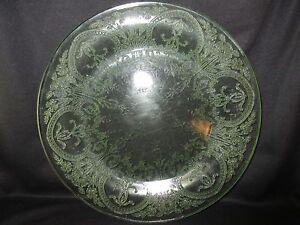 "Indiana Horseshoe No. 612 Green Round Sandwich Platter 11 1/4"""