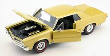 Spedizione LAMPO Pontiac GTO 1965 GOLD METALLIC Welly Modello Auto 1:24 NUOVO & OVP