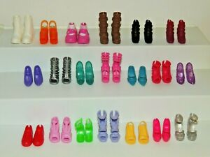 BARBIE SHOES, BOOTS, HIGHHEELS, SNEAKERS 20 Pairs Lot!