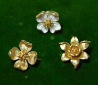 Vintage Tiny Trifari Dogwood Daffodil Flower Gold Tone Pendant Pin Set 3h 30