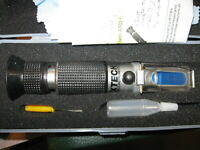 NICE Extech Portable Refractometer w/ Case and Extras  pn#- RF15