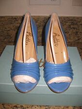 "NIB Butter Glitz Blue Patent Leather Open Toe Leather Pump Size 7 3.5"" Heel M"