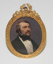MINIATURE OF A GENTLEMAL PORTRAIT. OIL. FRAME IN BRONZE. FRANCE. 19th CENTURY