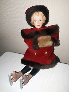 """1980s Beautiful vintage christmas doll in red velvet 7""""  with ice skates"""