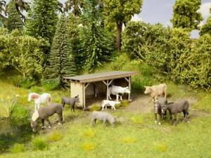 N Scale Scenery - 12742 - Cattle Shelter