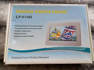 7 Inch HD TFT-LCD Digital Photo Frame. Boxed, never used.