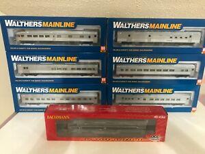 Bachmann NYC E7A locomotive and Walthers passenger car set
