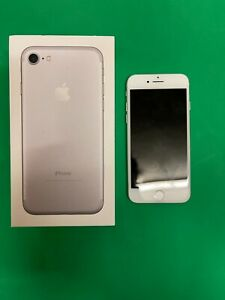 Apple iPhone 7 (32GB) - Silver - O2 - Great Condition - Boxed!