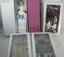 """TONNER AGATHA PRIMROSE COMIC CON ALICE IN WONDERLAND 13"""" DOLL & 3 NRFB OUTFITS"""