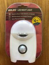 ARLEC DEL lumière Nuit Dusk Dawn Commutation Automatique Capteur PIR Mouvement Batterie