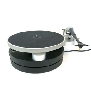 Wilson Benesch Full Circle turntable with Act 0.5 tonearm & Ply cartridge