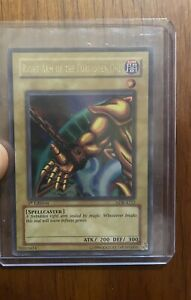 YUGIOH - Right Arm Of The Forbidden One ( 1ST EDITION ) Legend Of Blue Eyes Rare