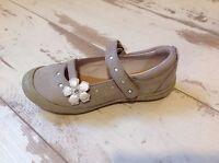 P29 - Chaussures Fille Neuves Loup Blanc - Modèle Hirma Taupe  (99.00 €)