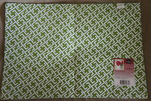 """Homewear Country Lattice Set of 2 13"""" X 19"""" Placemat Green Multi Color Dinner"""