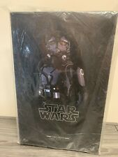 HOT TOYS mms324 THE FORCE AWAKENSFIRST ORDER TIE PILOT 1/6TH SCALE Figure