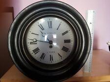 Horloge très ancienne en bois