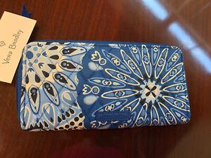 NEW W TAGS - Vera Bradley Accordion Cotton Blue Star Medallion Wallet - MSRP $65