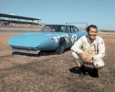 8x10  Richard Petty Plymouth Superbird Daytona in 1970 - Free Shipping