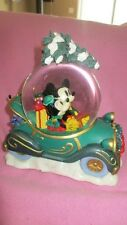 RARE RETIRED DISNEY MICKEY MINNIE MOUSE CHRISTMAS TREE CAR MUSICAL SNOWGLOBE