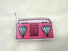 Broche transistor radio cassette rose diamant original plastique acrylique