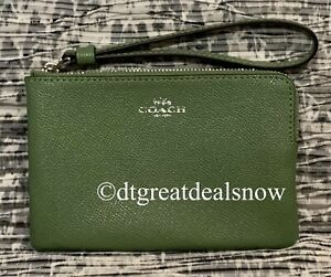 NWT Coach F58032 Corner Zip Wristlet in Crossgrain Leather Clover  $75