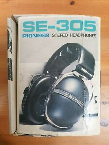 SE-305 Pioneer Headphones