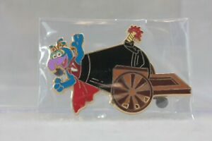 Disney Shopping Store LE 500 Pin The Muppets Show Gonzo Cannon