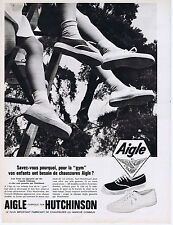 PUBLICITE ADVERTISING 094 1964 HUTCHINSON Aigle chaussures pour la Gym