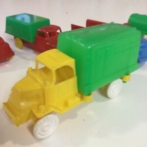 """VINTAGE 1930s UNBRANDED MACK YELLOW GREEN DELIVERY TRUCK 4.5"""" HARD PLASTIC USA"""